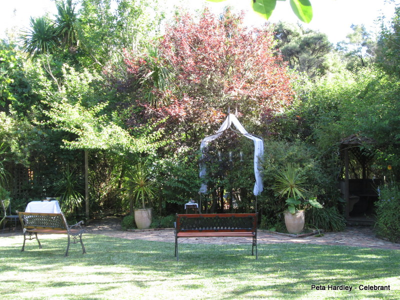 Casabella intimate garden ceremony area
