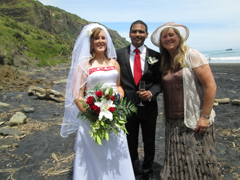 West Auckland Wedding Celebrant Muriwai